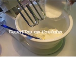 Bater queijo com açucar copy