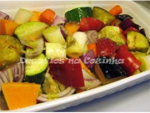 Legumes prontos a ir ao forno copy