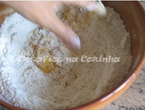 Envolver acucar, farinha e ovo copy