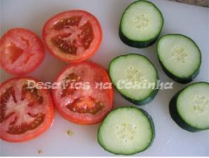 Rodelas de tomate e pepino copy