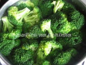 Bróculos a cozer copy