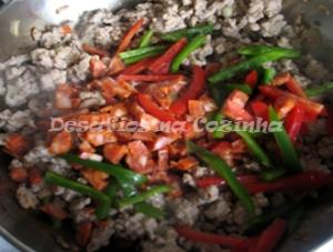 Pimento e chouriço na carne copy