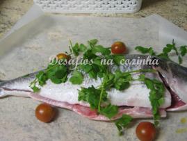 peixe com coentros