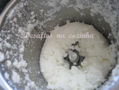 coco triturado com leite