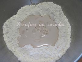 Misturar fermento com farinha1